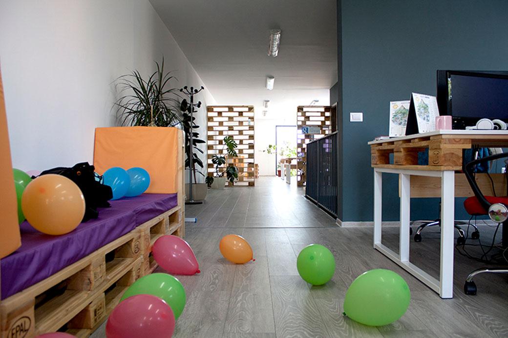 office-design-interior-pentru-firma-de-IT-in-cluj-napoca-fier-si-europaleti