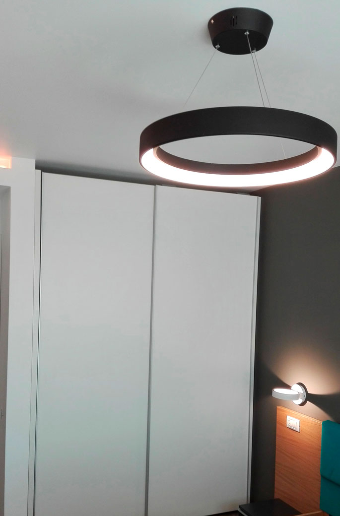 amenajare-interioara-de-dormitor-detaliu-de-iluminat